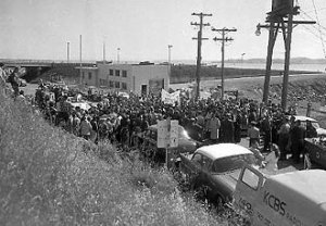 Protesting execution of Chessman, May 2, 1960